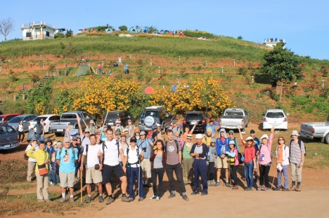 54 Hikers at the start point