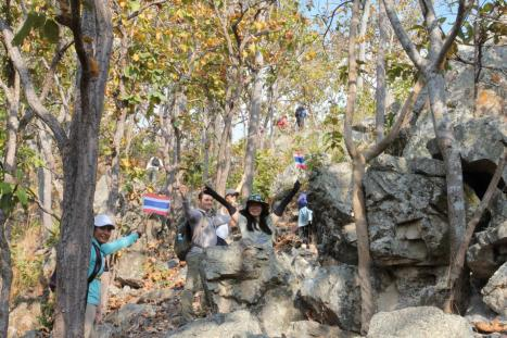 group with thai flags 2