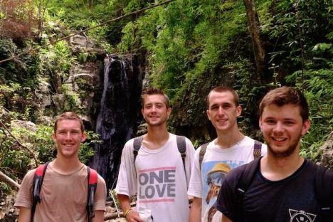Four Brits who were spending less than a week in Chiang Mai happened upon our website and joined us. We hope they thought it was a day well spent.